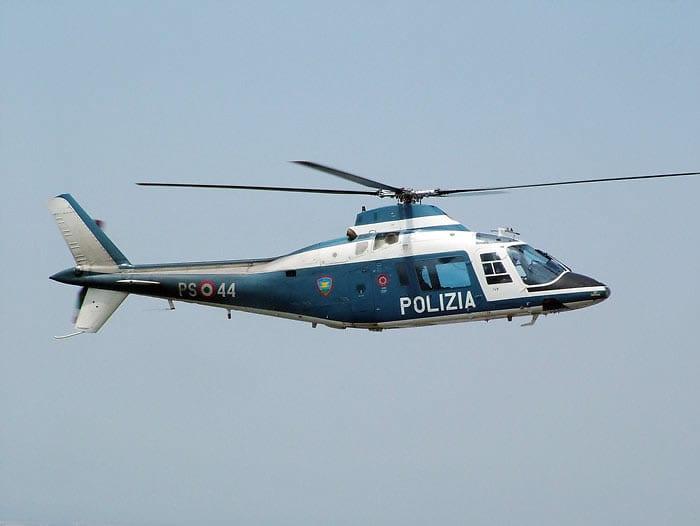 Elicottero E Libellula : Elicottero in volo per la caccia al pirata video luna