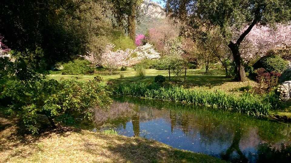 Riapre ninfa il giardino pi bello del mondo ora un for Giardino di ninfa orari