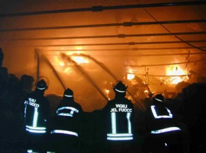 VF-spengono-incendio