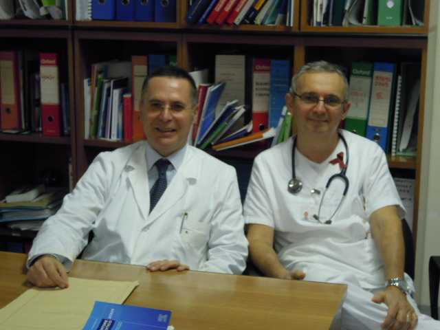 Il professor Mastroianni (a sinistra) direttore della Uoc di malattie infettive. Accanto il dottor Mercurio.