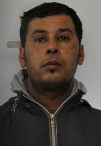 Noureddine Hamza è stato arrestato da due poliziotti in borghese