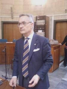 L'ex  comandante del Ris Luciano Garofano al suo ingresso nell'aula di Corte D'Assise del Tribunale di Latina