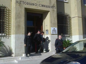 Ruggieri lascia la caserma scortato dai Carabinieri verso il carcere di Via Aspromonte
