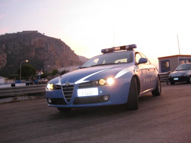 Volante_Polizia_di_Stato_Terracina