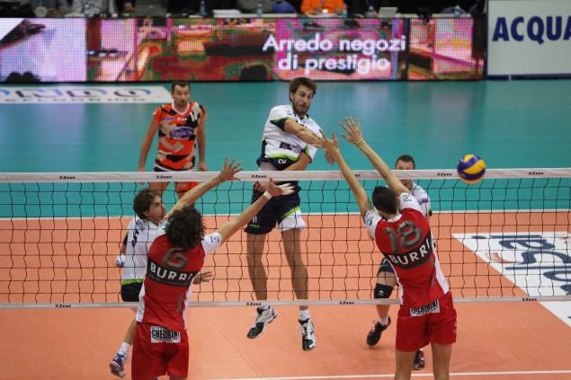 volley latina