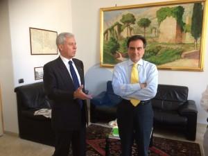 Il Commissario Giacomo Barbato con il prefetto di Latina Pierluigi Faloni