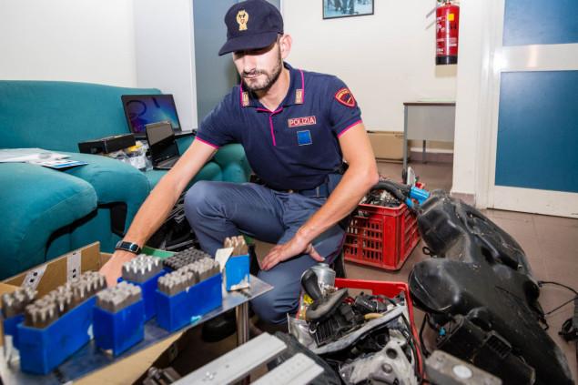 Sgominata dalla squadra volante la banda di insospettabili che riclicava auto rubate Latina 26 giugno 2015 - EdeDPhotos/Enrico de Divitiis/www.provincialista.it
