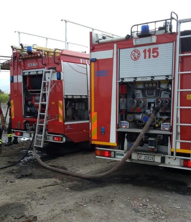 vigili del fuoco autobotti