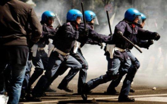 Polizia - Celerini all'assalto