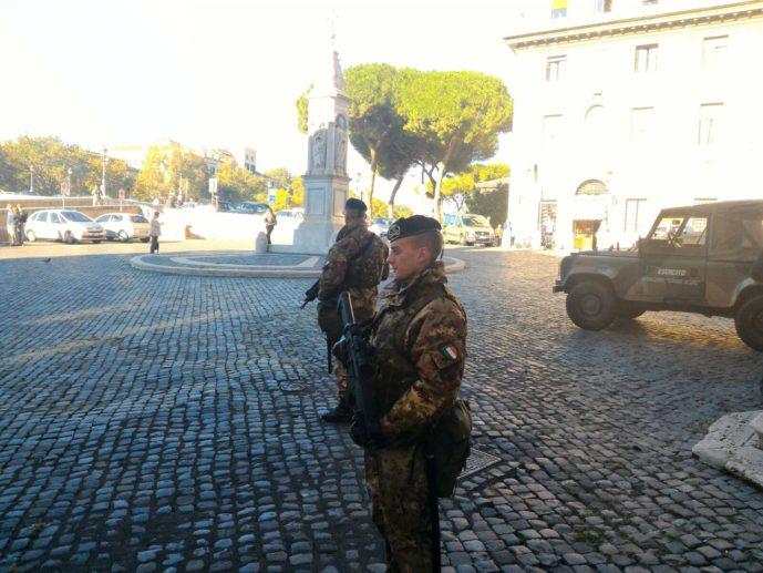 2-militari-dello-sforzesca-in-operazione-strade-sicure-a-roma